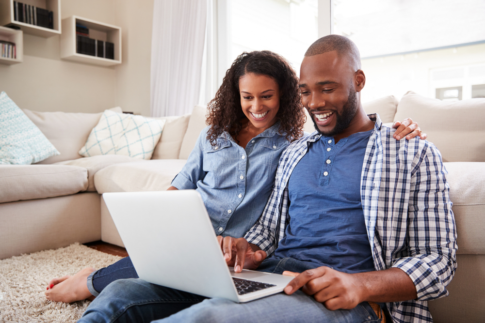young-couple-using-computer